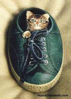 taş boyama kedi çizimi