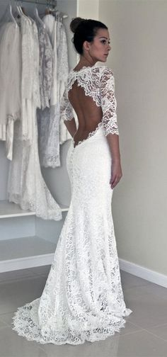 I think a wedding dress can not ignore two elements, one is lace, another is the open back. This is the classic wedding dress design. So, do you love this wedding dress? suzhoudress.com