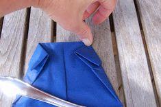 LILLE BLÅ: Brette skjorte servietter =) Fashion, Moda, Fashion Styles, Fashion Illustrations