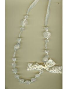 Lace crystal necklace cream