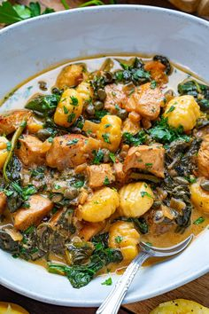 Chicken Gnocchi in a Creamy Lemon and Caper Sauce Gnocchi Recipes, Pasta Recipes, Chicken Recipes, Cooking Recipes, Healthy Recipes, Good Food, Yummy Food, Tasty, Chicken Gnocchi