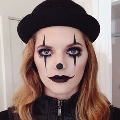 Get a perfect clown make up Grunge Clown Makeup - Every Kind of Clown Makeup You& Possibly Want Easy Clown Makeup, Halloween Makeup Clown, Mime Makeup, Halloween Looks, Costume Makeup, Halloween Costumes, Halloween Photos, Vintage Halloween, Girl Joker Makeup