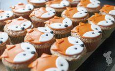 How to: vossencupcakes. Erg simpel om te maken en leuk voor een kinderverjaardag. (Lees verder via de bron.)