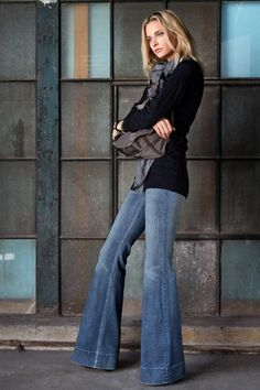 Flare Jeans (Marc Jacobs).