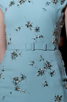 Jenny Packham at New York Spring 2015 (Details) Bead Embroidery Patterns, Couture Embroidery, Beaded Embroidery, Embroidery Designs, Couture Details, Fashion Details, Fashion Design, Style Fashion, Look Patches