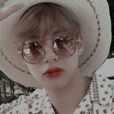 𝑻𝒂𝒆𝒉𝒚𝒖𝒏𝒈 𝒕𝒉𝒆𝒎𝒆 uploaded by 恋愛 Namjoon, Seokjin, Kim Taehyung, Yoongi, Hoseok, Foto Bts, Bts Photo, Bts Boys, Bts Bangtan Boy
