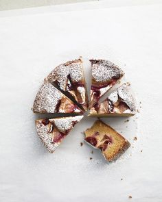 (I'm making this for dessert tonight) This moist, lemony plum cake needs little more than a dusting of confectioners' sugar. If you like, though, a dollop of sour cream is a delicious accompaniment. Plum Recipes, Easy Cake Recipes, Fruit Recipes, Sweet Recipes, Dessert Recipes, Desserts, Bread Recipes, Cupcakes, Cupcake Cakes