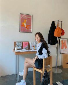 Korean Picture, Korean Girl Photo, Korean Girl Fashion, Japanese Outfits, Korean Outfits, Japanese Fashion, Girl Photo Poses, Girl Photography Poses, Girl Photos