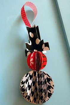 stash crafted wrapping paper snowman ornament | kojodesigns