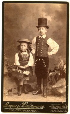 Awesome ORIGINAL 1887 German CDV / Children Wearing Traditional HAMBURG Costumes picclick.com