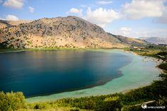Wyspa Kreta. Jezioro Kourna o poranku. - foto: wnieznane.pl