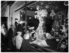vintage store windows decorated for christmas