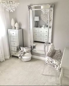 Traumzimmer 50 beautiful bedroom mirror ideas can improve your bedroom Your Own Home Interior Ideas Living Room Bar, Living Room Furniture, King Furniture, Furniture Decor, Black Furniture, Furniture Design, Furniture Mattress, Furniture Removal, Furniture Online