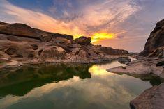 Rzeka Mekong, Kanion Sam Phan Bok, Prowincja Ubon Ratchathani, Rajlandia, Skały, Zachód słońca