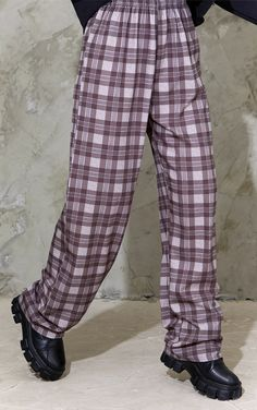 Checkered Trousers, Wide Leg Trousers, Indie Outfits, Korean Outfits, Chunky Boots, Off Black, Straight Leg Pants, Cropped Hoodie, Korean Fashion