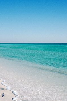 White sandy beaches and clear water await you on your #florida #vacation at Sanibel Island Beach.