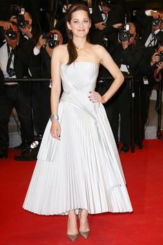 Cannes Film Festival 2014 - Marion Cotillard in a Dior strapless white dress