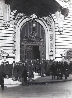 bursa Little Paris, Bucharest Romania, Jpg, World War Two, Art History, Life Is Good, Louvre, Street View, Museum