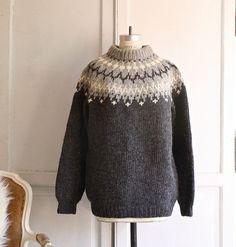 vintage sweater. I love the 360 neck/shoulder pattern on vintage sweaters. Superb and flattering.
