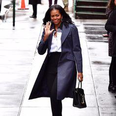 10 Michelle Obama Natural Hair Pictures Reveals They're Actual Hair Goals Natural Hair Haircuts, Natural Hair Blowout, Natural Hair Styles, Twa Hairstyles, Black Women Hairstyles, Alexander Wang, Blowout Haircut, Balenciaga, Yves Saint Laurent