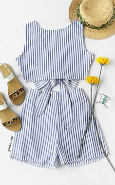 Convertible Vertical Striped Bow Tie Crop Top With Shorts Moda Coreana 123364d2051d1