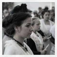 Profil arlésienne noir et blanc