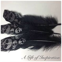 Pack of 3 Black, SILVER skull print feathers 15-20cm craft/millinery/fly fishing