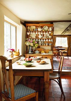 Take a tour of this gorgeous dining room, and the rest of this inspiring farm cottage. Style Cottage, English Cottage Style, Farm Cottage, Cottage Gardens, Cozy Cottage, Country Cottage Decorating, French Cottage, Cottage Ideas, English Cottage Kitchens