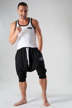 sarouel géronimo 2 poches  http://www.reservoir-mode.com/boutique/collections-sous-vetement-homme/tenue-interieur-pyjama-homme/geronimo/pantalon-detente-court-1277lp2-p-2402.html