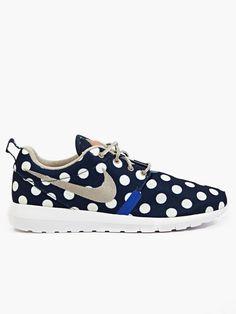 Nike Men's Polka Dot Roshe Run NYC Sneakers