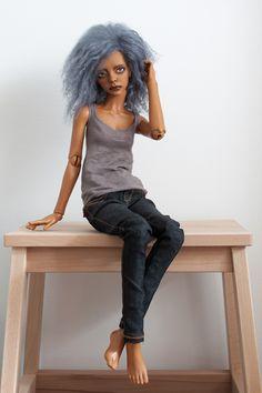 SUPIA NAOMI TAN Compagnie: Supiadoll Modèle: Naomi Couleur de résine: tan Taille: 60cm environ Elle viendra avec: tête maquillée par EchoUndine + corps original