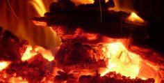 Gli incendi devastano