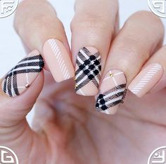 Pretty In Plaid – UberChic Nail Stamping Plate Plaid Nail Art, Plaid Nails, Hair And Nails, My Nails, Fall Nails, Nail Deco, Cute Nails, Pretty Nails, Burberry Nails