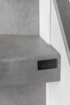 Iedere Upstairs trap wordt voorzien van het Upstairs merkje, hét bewijs dat je een echte Upstairs trap hebt!