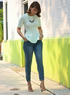 peplum top in mint, faded skinnies. love this look. Bloom Fashion, New Look Fashion, Only Fashion, Denim Fashion, Fashion Outfits, Womens Fashion, Looks Style, My Style, Weekend Wear