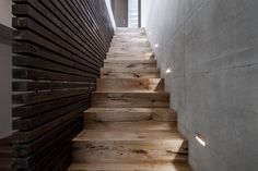 Neubau EFH Winkelstufen aus Parkett gefertigt Stairs, Home Decor, New Construction, Floor, Timber Wood, Stairways, Stairway, Staircases, Interior Design