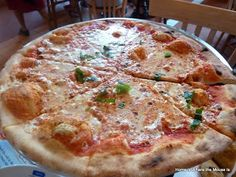 Home is Where the Mouse is: Foodie Friday- Margherita Pizza from Via Napoli