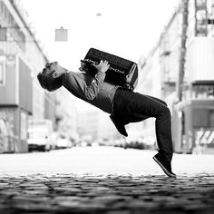 Nikolaj Lund is a Danish photographer and a cellist living in Aarhus.Check out 10 Most Creative Portraits Of Musicians By Nikolaj Lund below Lund, Parkour, Kreative Portraits, Photos Voyages, Music Photo, Poses, Bored Panda, Classical Music, Great Photos