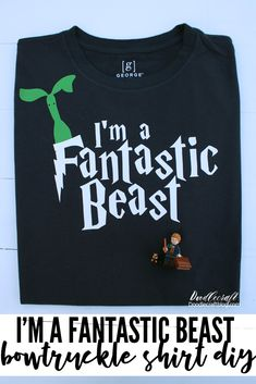 Doodlecraft: I'm a Fantastic Beast Funny Bowtruckle Shirt DIY with Cricut and Lego Harry Potter Theme, Harry Potter Books, Harry Potter Fandom, Diy Craft Projects, Project Ideas, Vacation Shirts, Cricut Vinyl, Diy Shirt, Fantastic Beasts