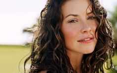 women actress evangeline lilly lost tv series freckles curly hair hazel eyes 1280x800 wallpaper_wallpaperswa.com_70.jpg (600×375)