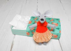 Stuffed mouse in matchbox woodland foxes forest animal felt plush miniature mouse orange emerald green foxes toy for bjd toddler room decor