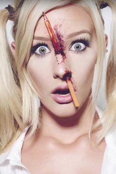 Das ist das etwas andere (blutigere) Schulmädchen Makeup-Tutorial