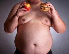 Als Gynäkomastie  versteht man eine weibliche Form der Brust beim Mann.  See more at: => http://busen-brust.de/gynaekomastie/