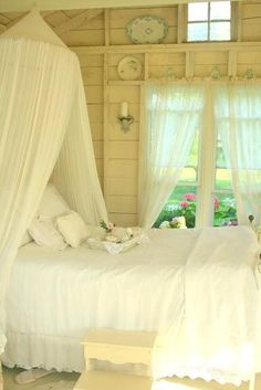 Shabby Chic Bedroom bedroom home pretty bed white country decorate shabby chic interior design Shabby Cottage, Cottage Living, Cottage Chic, Romantic Cottage, Garden Cottage, Rustic Cottage, Cottage Style, Shabby Chic Bedrooms, Cozy Bedroom