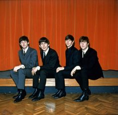 I'm Luzia, I love George Harrison a long time, and Beatles too. I like to see pictures, hear. Beatles One, Beatles Photos, Paul Mccartney, John Lennon, Liverpool, All Lyrics, All My Loving, The Fab Four, Ringo Starr