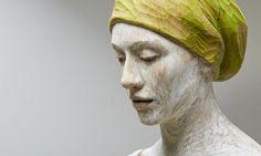 Bruno Walpoth, Il Berretto Verde (Det), 2014, legno di noce, 170x49x45 cm #BrunoWalpoth