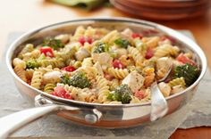 A primavera pasta recipe that's on the table in 30 minutes?  Yes, it's true.  Our Easy Chicken Primavera recipe, made with chicken, fusilli pasta, broccoli and tomatoes in a cheesy sauce, is a weeknight wonder.