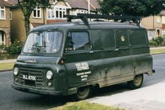Diesel ex GPO van - mine was red and I turned into a pickup by chopping the back down when I started building (similar model to the one in this photo) Vintage Vans, Vintage Trucks, Classic Trucks, Classic Cars, Austin Cars, Old Lorries, Old Commercials, Cool Vans, Cadillac Eldorado