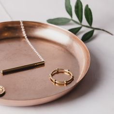 The simple but elegant Disc Necklace, in high-polish gold, silver and rose gold – adds a modern, minimalist class to any look. Jewelry Photography, Lifestyle Photography, Fashion Photography, Disc Necklace, Engraved Necklace, Photo Jewelry, Fashion Jewelry, Photographing Jewelry, Fashion Shoot