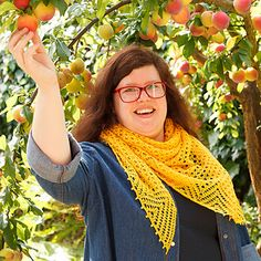 One of my favorite parts of spring is watching the bees come back to the garden, foraging for the nectar and pollen they need for their hives. This sunny yellow shawl is inspired by honeycomb and sweet flowing honey.